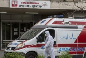 Health authorities should not interfere with the work of journalists